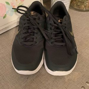 Nike Shoes - Brand new woman's  Nike running shoes